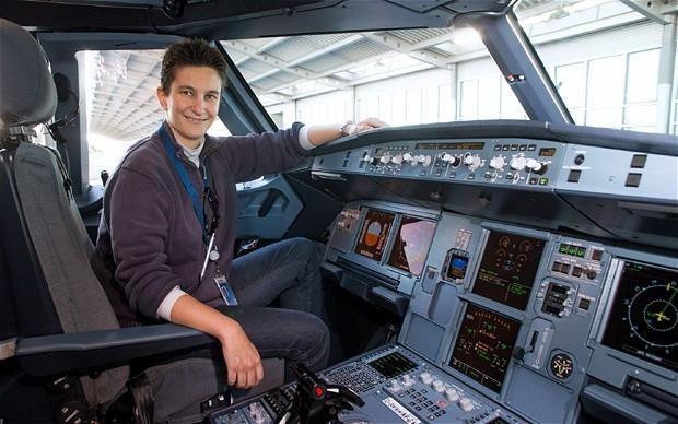 Gadis Pencuci Mobil Itu Adalah Pilot Tester Airbus Termuda Isabelle de Montet Guerin