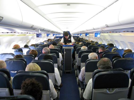 MITOS-MITOS PENERBANGAN-Tak Ada Kursi Nomor 13 dan 17 di Pesawat