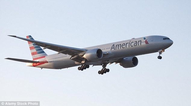 Penyakit Aneh Mendadak Serang Kru & Penumpang, American Airlines Putar Balik