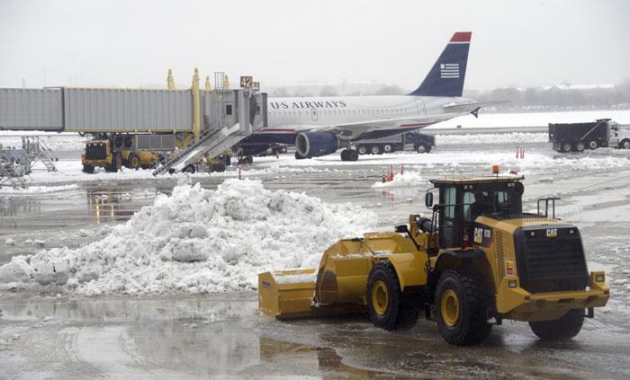 Ancaman Badai Salju Batalkan 4.500 Penerbangan di AS