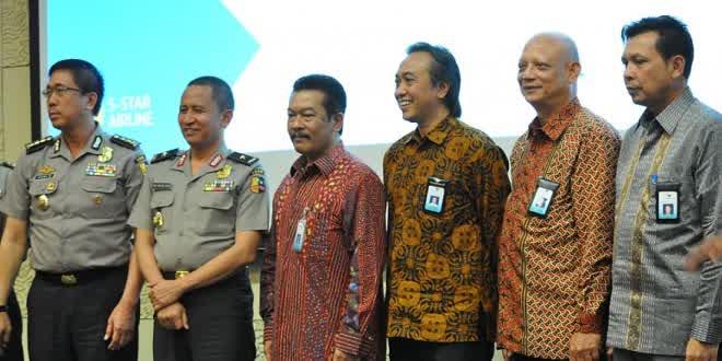 Garuda-Indonesia-Kasih Bantuan Kebebasan dalam pergerakan Pasukan Polri