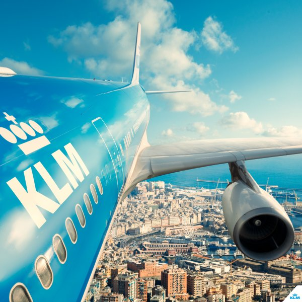 KLM Mendarat Darurat