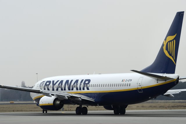 Pramugari Dikecam Penumpang Ryanair