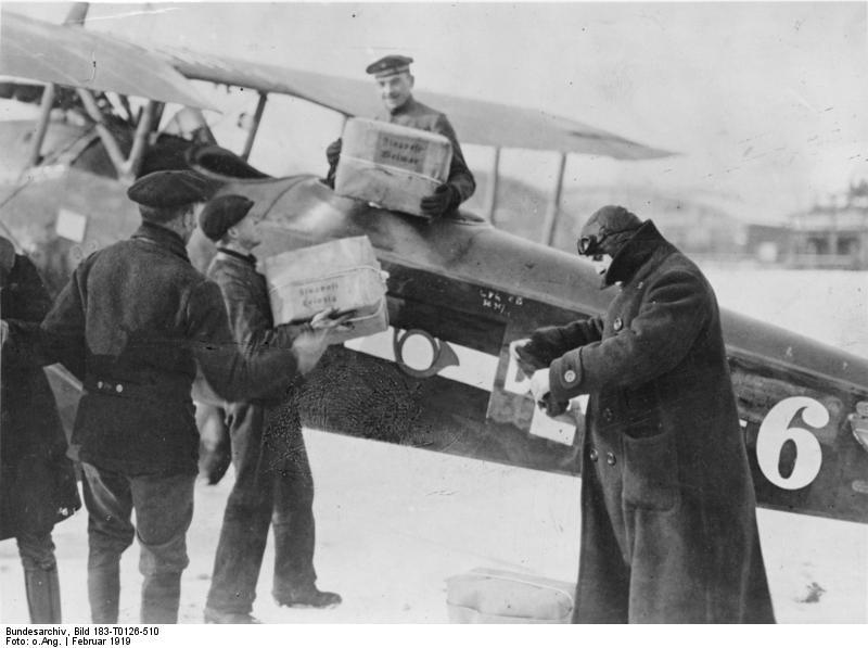 TODAY HISTORY: Layanan Penerbangan Berpenumpang Harian Pertama di Dunia