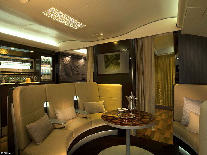 Etihad-Apartment-Class-Bar