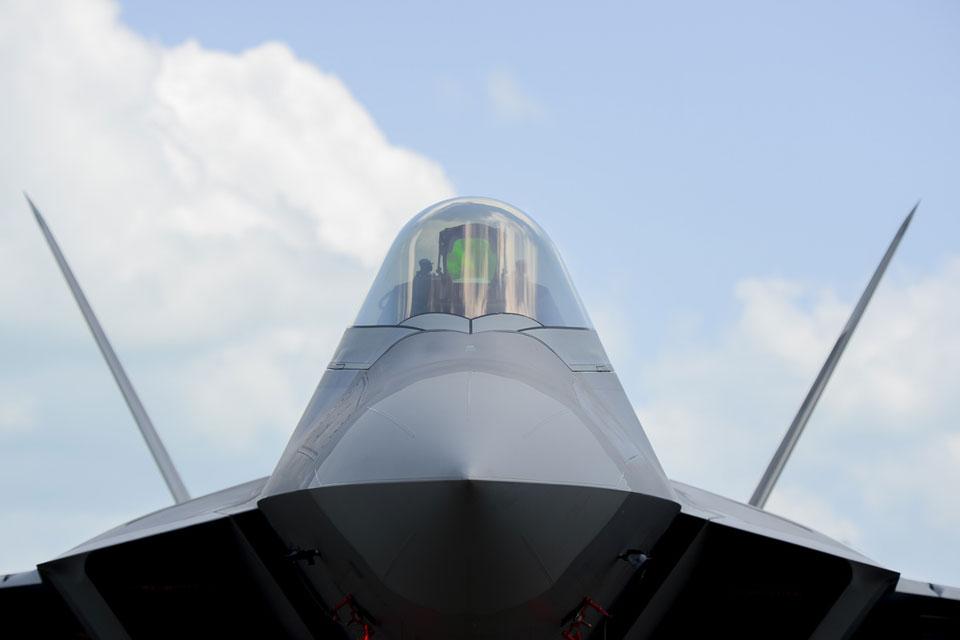 F-22A-Raptor_AIRSHOW