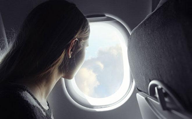 Kenapa Penumpang Selalu Diminta Membuka Penutup Jendela Saat Take-Off & Landing?