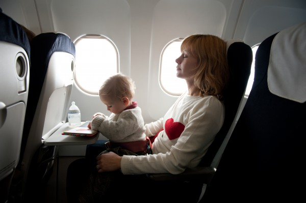 keamanan terbang bagi bayi