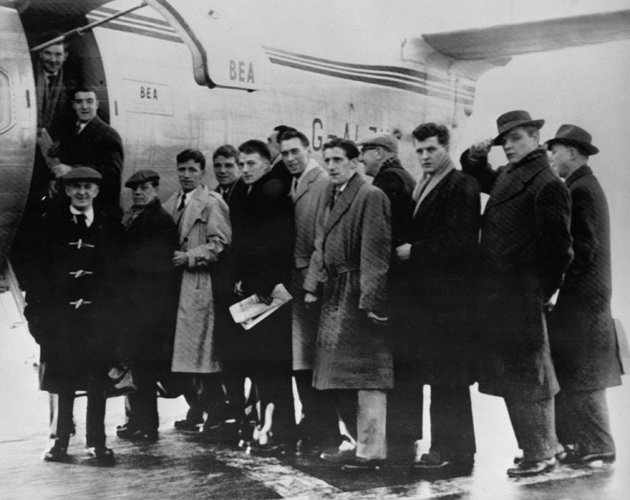 TODAY HISTORY: Pesawat Pengangkut Tim MU Gagal Take-Off