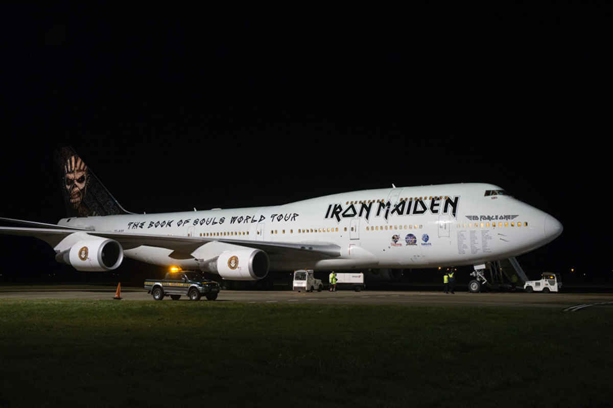 Ed Force One Iron Maiden Gunakan Jumbo Jet 747