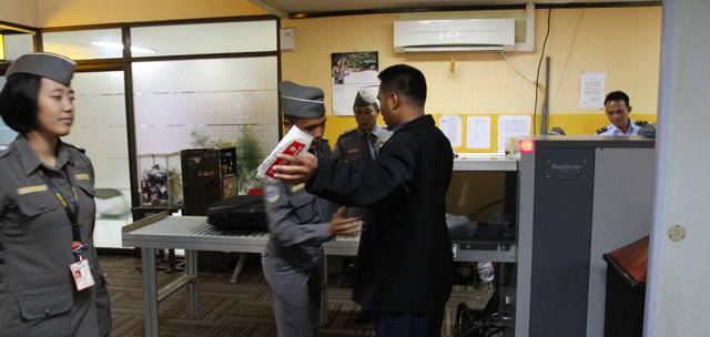 Penumpang Garuda Indonesia Bawa Ganja Tertangkap di Ngurah Rai