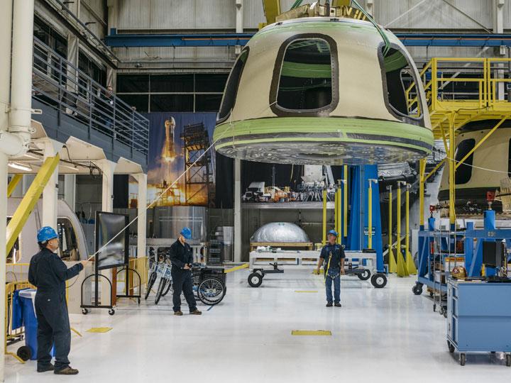 Blue Origin Buka Penerbangan Komersial ke Antariksa Mulai 2018