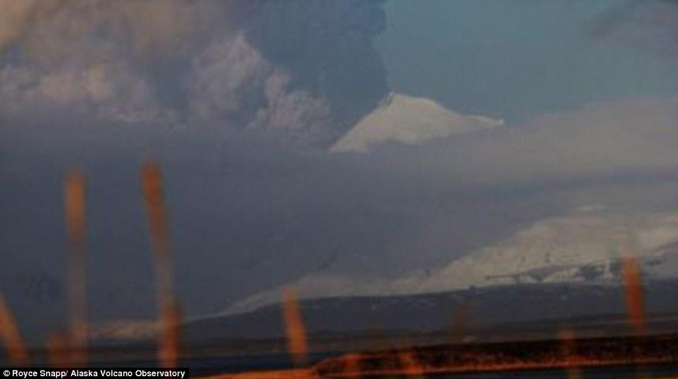 Gunung Alaska Meletus2
