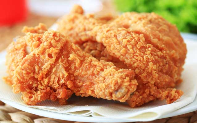Hindari 7 Makanan Ini Sebelum Boarding