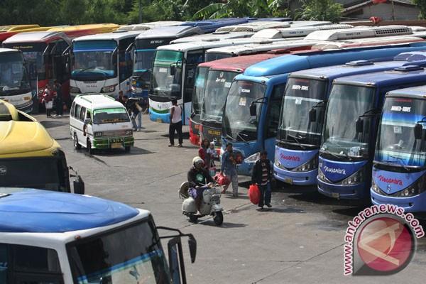 Maskapai Bertarif Rendah Bikin Bus AKAP Kelimpungan