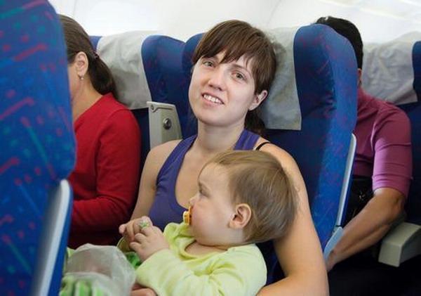 Terbang Bersama Anak-Anak Kecil, Perhatikan Sejumlah Hal Ini