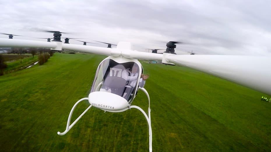 Volocopter Elektrik Berawak Sukses Terbang Perdana