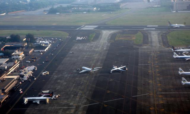 4 Ban Pecah di Landasan Lufthansa Bikin Bandara Ditutup Seharian