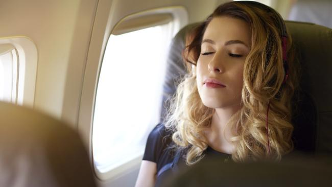 Ini Efek-Efek Buruk Pada Tubuh Selama Penerbangan