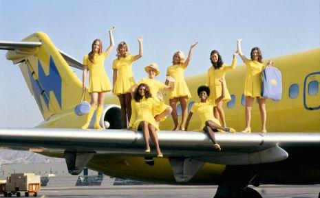 Hughes Airways, 1972-Gaya Pramugari di Era 1970-an