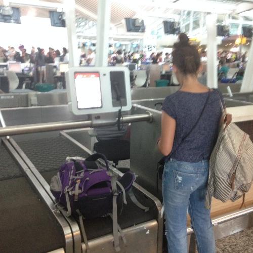AirAsia Mulai Penerapan Teknologi Otomatisasi Bagasi di Bali