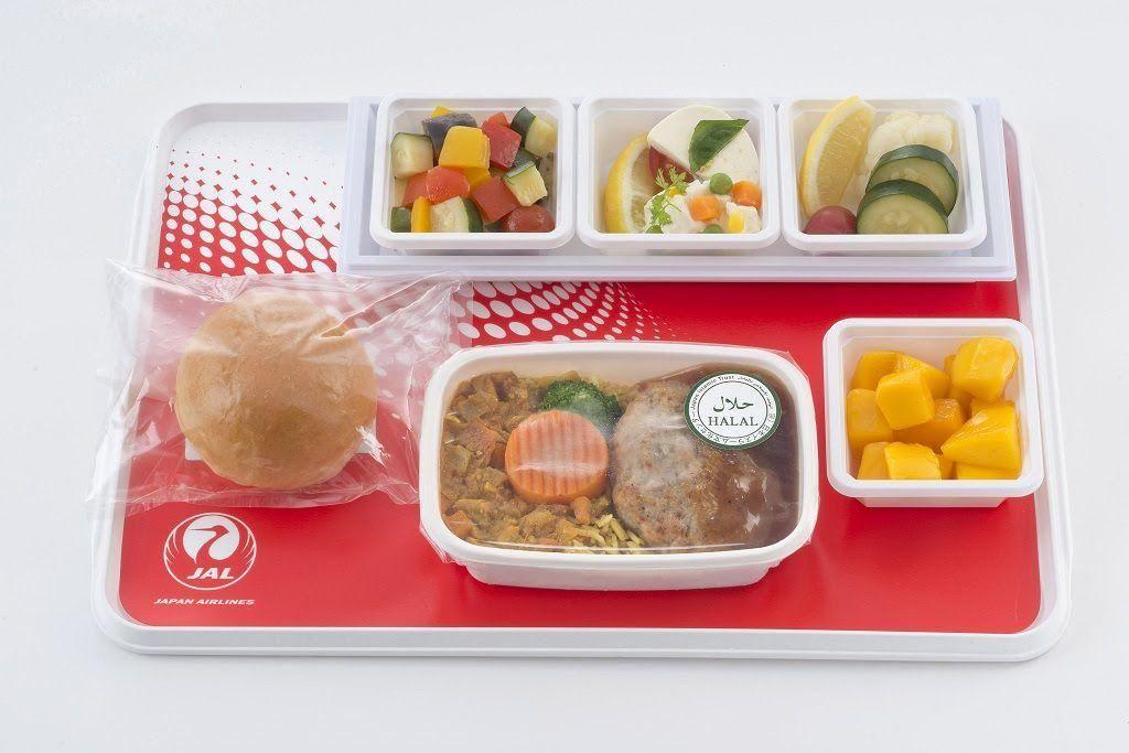 JAL Tawarkan Menu Halal dalam Penerbangan Internasional