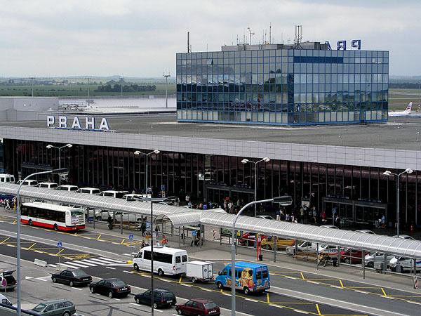 Hanggar Bandara Praha Terbakar Satu B-373 Jadi Korban