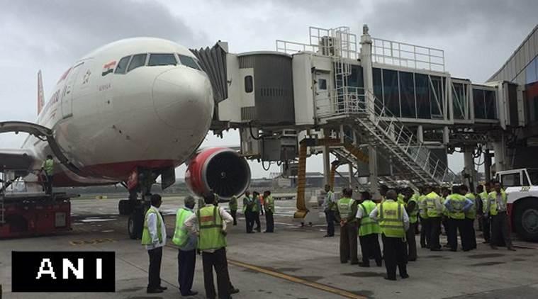 Tabrak Garbarata, Air India Gagal Terbang